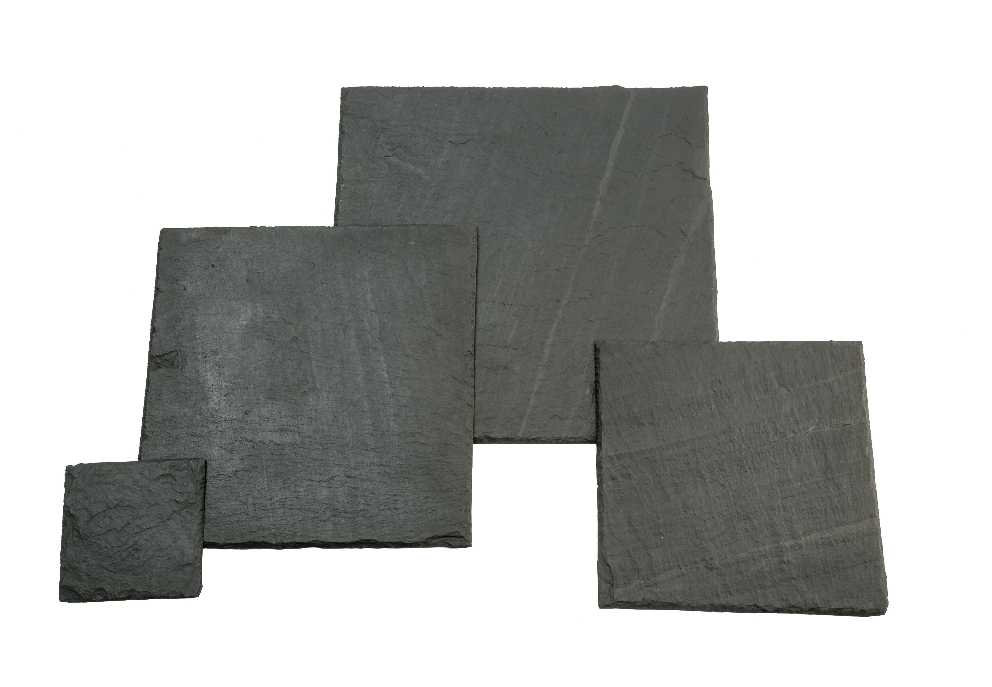 Verscieden große Schieferplatten in Quadratform