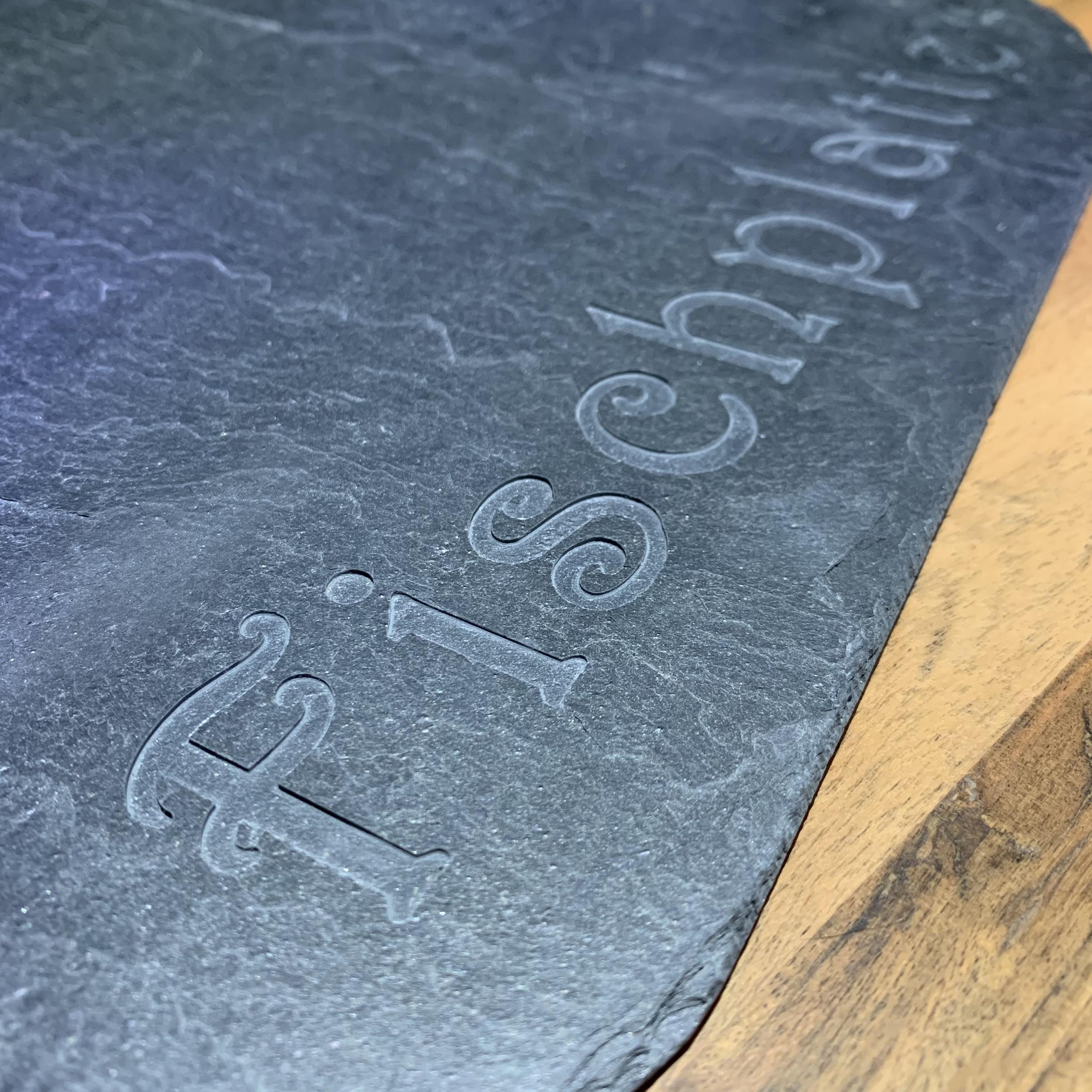 Schiefer Servierplatte in Fisch-Form als Fischplatte 60 x 30 cm handgefertigt
