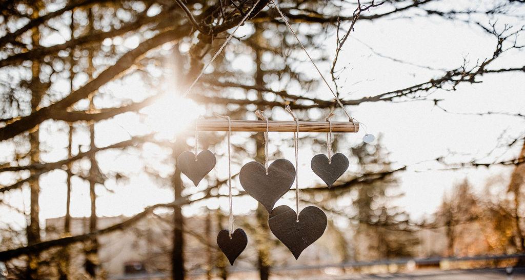 Schieferdeko kleine Herzen